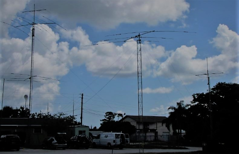 Antennas set up in front of the W4MLB station.